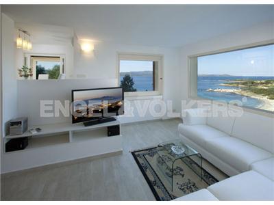 Affitto villa olbia sardegna villa in stile moderno con for Ville stile moderno