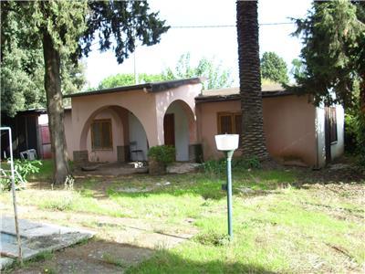 Vendita villa roma lazio nel parco dell 39 appia antica for Ville in vendita appia antica