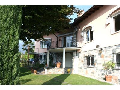 Vendita villa valsolda lombardia lussuosa villa for Stanze affitto lugano